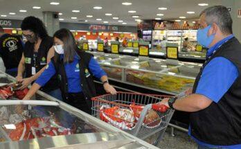 """Operação do Ipem """"Boas Festas"""" fiscaliza produtos e alimentos da época natalina"""