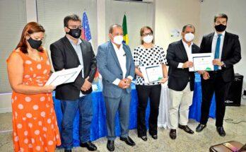 Instituto de Pesos e Medidas (Ipem) e Controladoria-Geral do Estado entregam certificados a 14 servidores